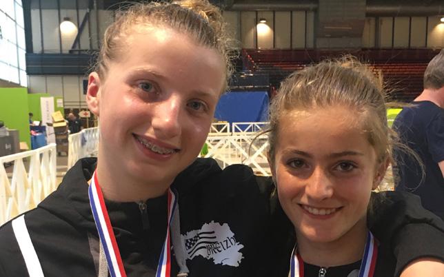 Salomée Michon-Vinçont et Charlotte Ridard médailles de bronze des Championnats de France (M14) en équipe fleuret